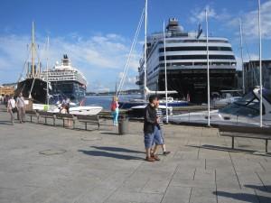 Tussen de cruise-schepen in Stavanger